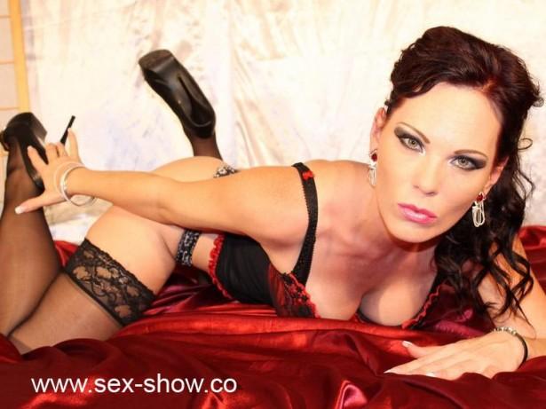 Porno Girl sexyRandi fickt sich für dich vor der Live Cam mit einem Dildo